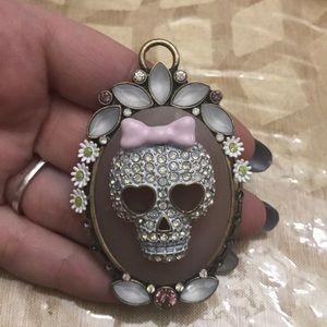 Betsey Johnson charm skull